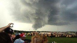 Смотреть Почти торнадо