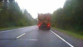 Удача с дровами смотреть видео прикол - 0:25