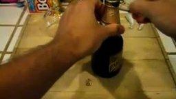Как открыть бутылку листом бумаги смотреть видео - 1:57