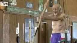 90-летний рекордсмен смотреть видео - 0:56