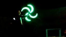 Смотреть Яркий танец в ночи