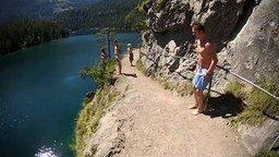 Смотреть Кайф от прыжка со скалы