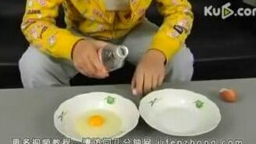 Как отделить желток от белка смотреть видео - 1:42