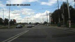 В догонялки с трамваем смотреть видео прикол - 0:18