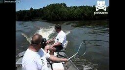 Смотреть Рыба поразила мужика наповал