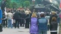 Смотреть Неумеха за рулём танка