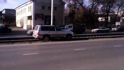 Суровый водитель на рельсах смотреть видео прикол - 1:21