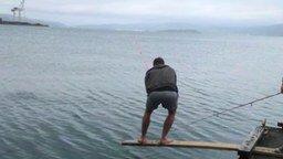 Эпичная рыбалка смотреть видео прикол - 0:32