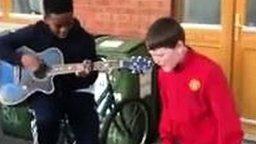 Юные музыканты из Ирландии смотреть видео - 2:05