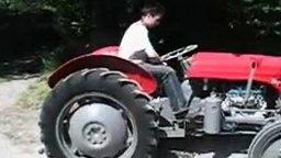 Скоростной трактор смотреть видео прикол - 0:58