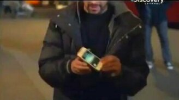 Телефон оказался в бутылке смотреть видео прикол - 0:53