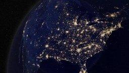 Смотреть Как выглядит Земля ночью