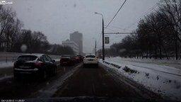Уборка снега в России смотреть видео прикол - 0:23