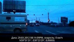 Редкостный... пешеход смотреть видео прикол - 0:27