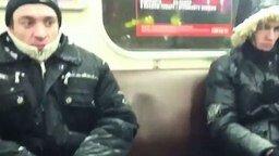 Смотреть Снег в метро