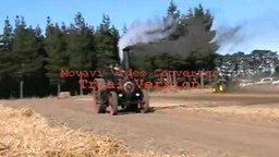 Трактор против трактора смотреть видео прикол - 4:07