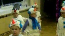 Маленький смешной снеговик смотреть видео прикол - 1:14
