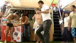 Танец турка под Сердючку смотреть видео прикол - 1:32