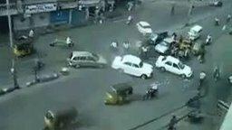 Дорожное движение в Индии смотреть видео прикол - 1:07