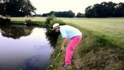 Замудрённый удар неопытного гольфиста смотреть видео прикол - 1:09