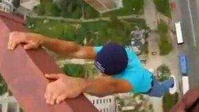 Смельчаки на 100-метровом кране смотреть видео - 3:22