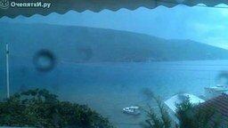 Смотреть Молния ударила в море