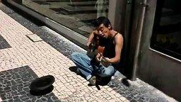 Уличный Курт Кобейн смотреть видео - 3:57