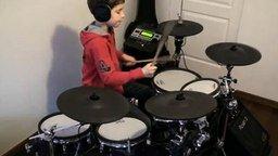 Парнишка играет на барабанах Smells Like Teen Spirit смотреть видео - 5:03