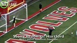 Вратарь слишком размялся смотреть видео - 0:25