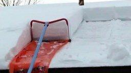 Приспособление для чистки снега с крыши смотреть видео - 0:23