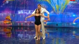 Смотреть Прекрасный танец мужчины и женщины