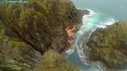 Смотреть Безбашенные прыжки в воду