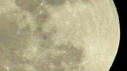 Смотреть Рельеф Луны