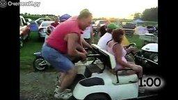 Смотреть Неверное управление гольф-каром