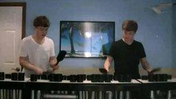 Парни играют на водосточных трубах смотреть видео - 1:37