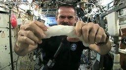 Смотреть Как выглядит полотенце космонавта