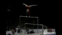 Смотреть Чёткий конец выступления гимнастки