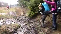 Смотреть Почему не стоит прыгать с рюкзаком