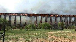 Смотреть Обрушение деревянного моста