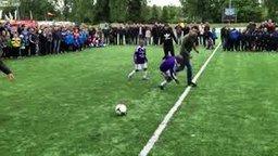 Мастер-класс по футболу смотреть видео - 1:51