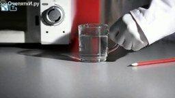 Перегретая вода в микроволновке смотреть видео - 1:14