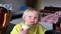 Она просто любит лук! смотреть видео прикол - 0:52
