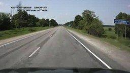 Водитель пропускает семейку через дорогу смотреть видео - 0:30