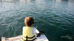 Смотреть 6-летний рыбак
