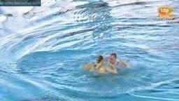 Пловчихи выступают под тяжёлый металл смотреть видео - 5:37
