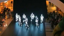 Представление в светодиодных костюмах смотреть видео - 2:39