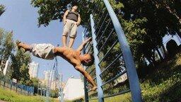 Смотреть Усердные спортсмены из России и Украины