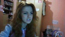 Симпатичная девушка поёт смотреть видео - 1:04