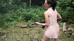Не давай бабе оружия! смотреть видео прикол - 0:49