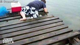 Провальные и смешные моменты с рыболовами смотреть видео прикол - 2:20